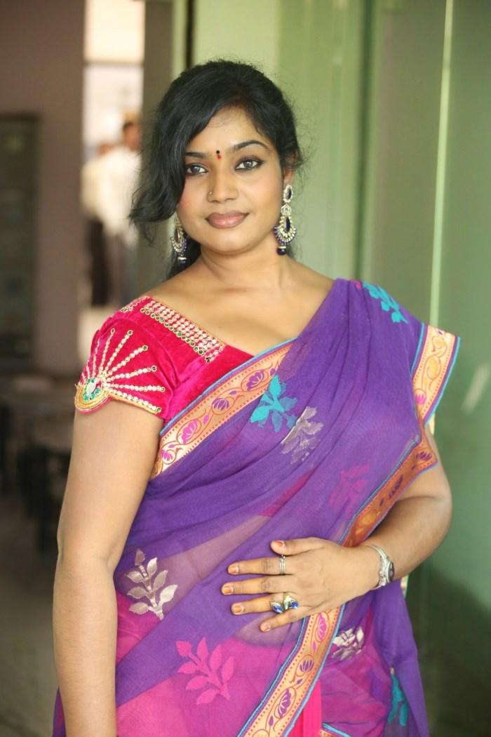 Actress Jayavani Hot Saree Stills - Telugu Actress Gallery