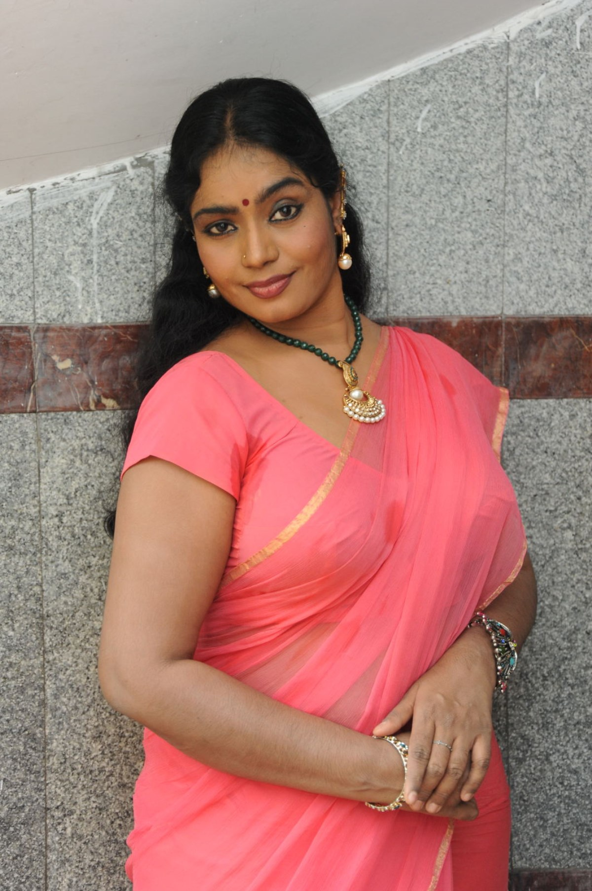 Jayavani Hot in Saree Photos - Telugu Actress Gallery