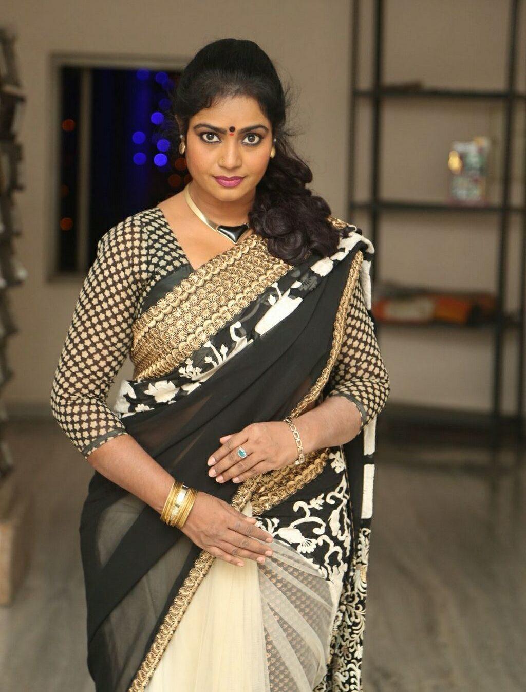 jayavani-saree-stills1