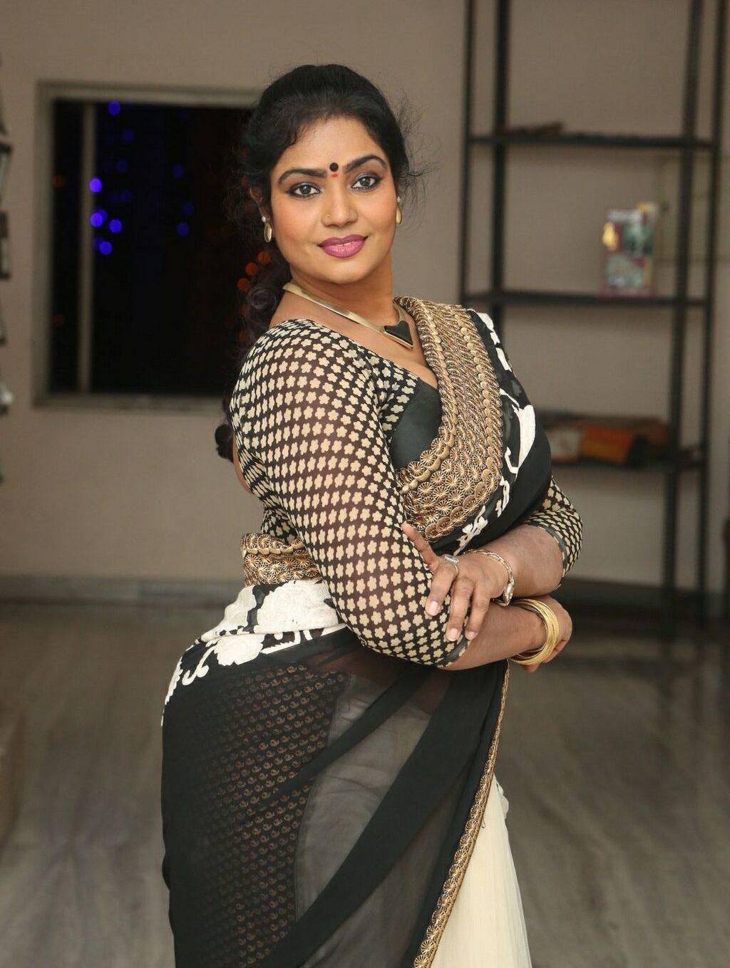 jayavani-saree-stills2