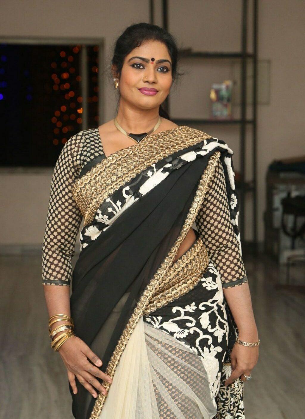jayavani-saree-stills3