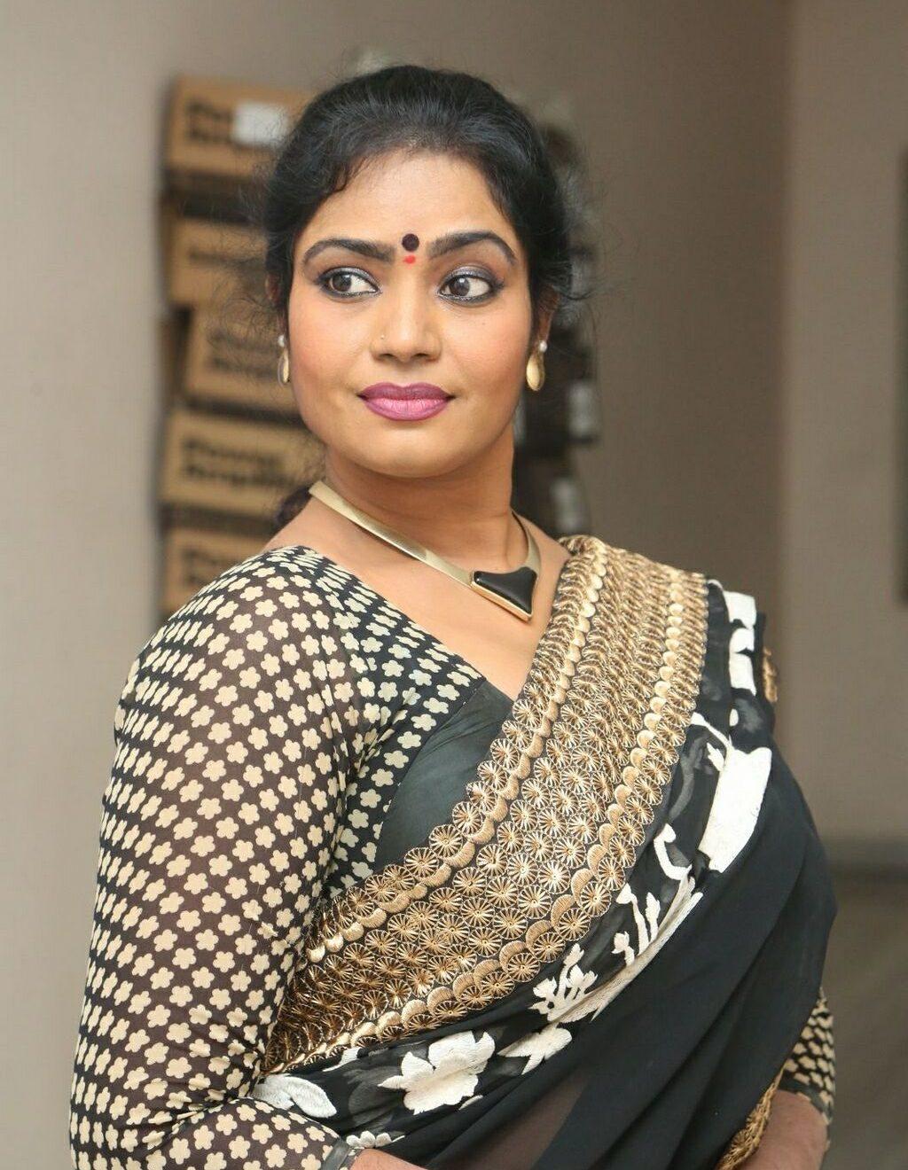 jayavani-saree-stills5